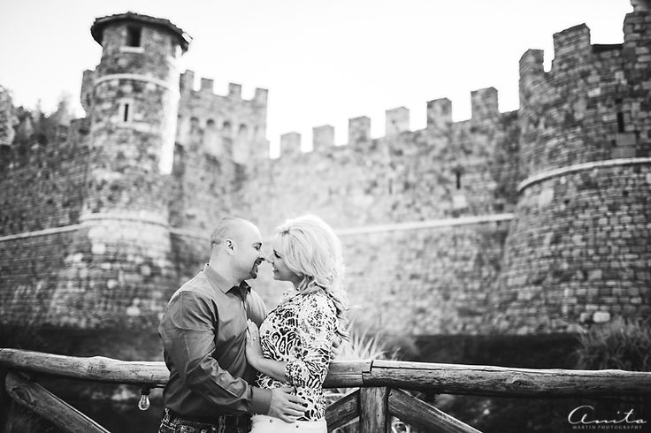 Napa Valley is home to some incredible wineries, and Krystal and Ricardo fell in love with Castello di Amorosa for the location of their engagement photos! I absolutely adore the area and could not wait to use this gorgeous property for another session. When we decided on the date and time for our…