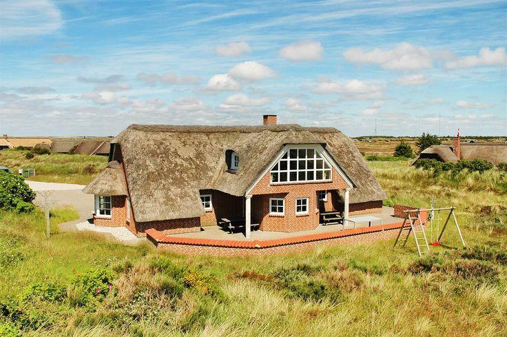 QM16: Gut bewertetes, großes Ferienhaus für 10 Personen. Kaminofen. Haustiere nicht erlaubt. Ab 952 € pro Woche.