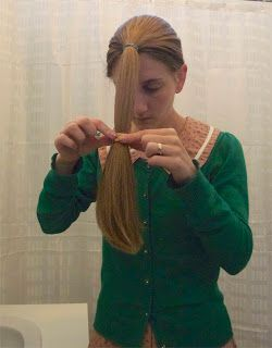 Cutieful Christina: How to cut your own hair...  Haven't got the guts yet but thinking about doing this :-)