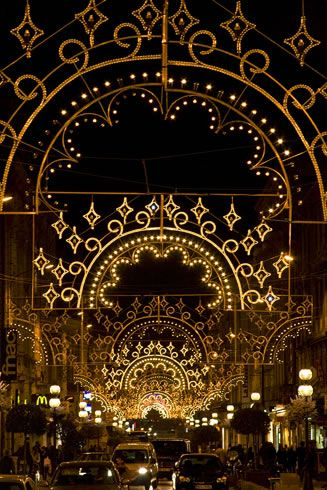 Christmas Lights in Avignon, Provence. Have been but not during holidays. Need to do this.