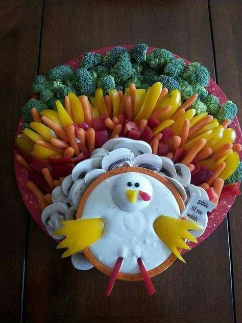 Adorable Turkey veggie tray & dip layout. Gobble till you wobble! Thanksgiving veggie tray