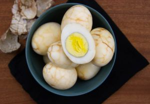 Marbled Tea Eggs to Spice up Snack Time