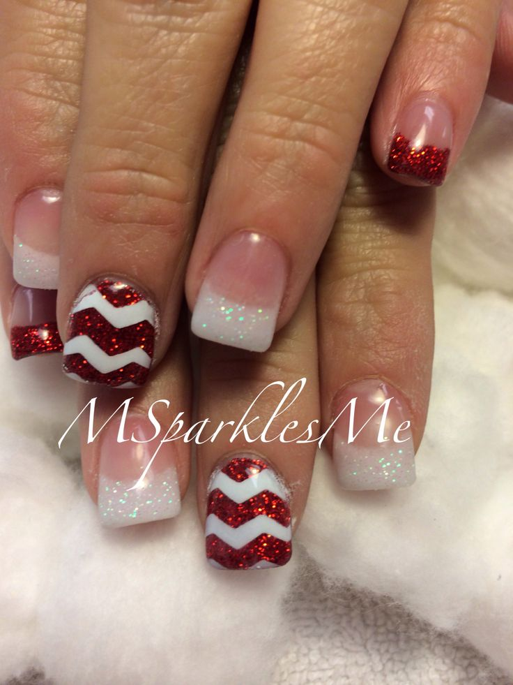 Chevron Christmas nails