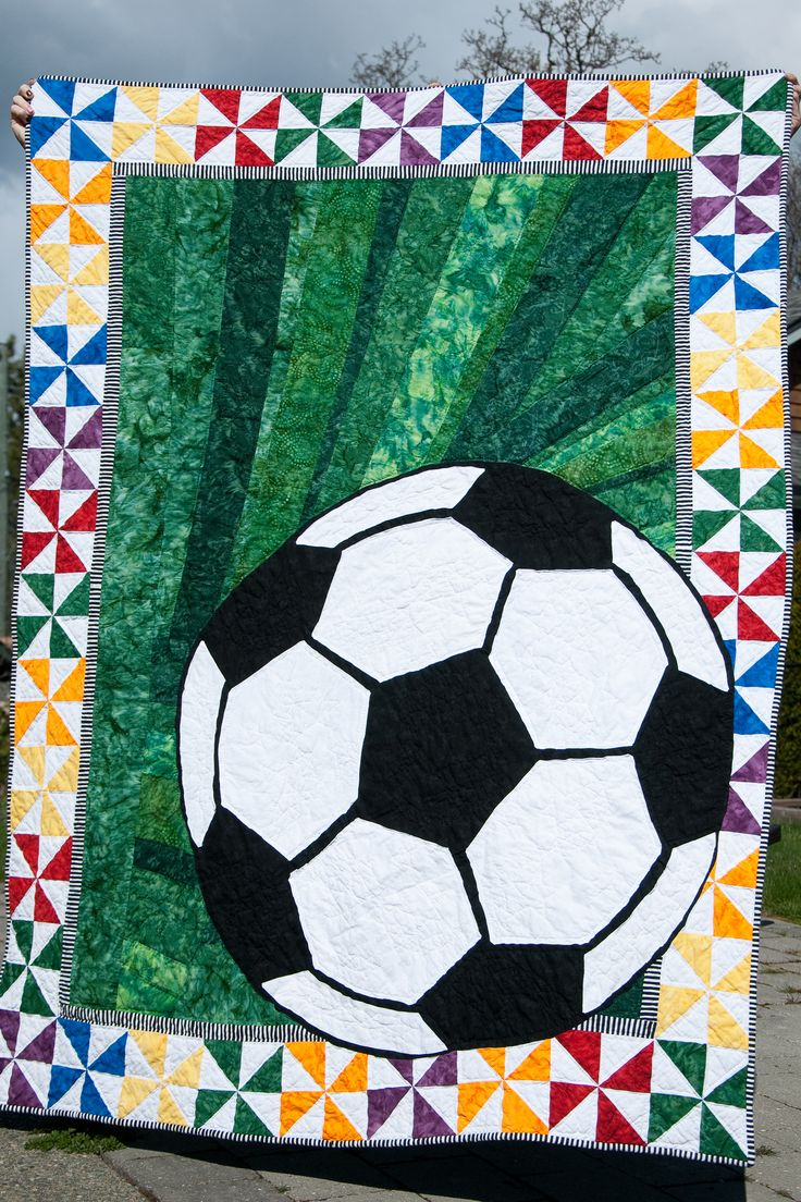 Quilt Patterns For Sports : 37 best images about Soccer on Pinterest Soccer art, Birthday cakes and Quilt