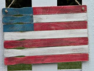 Cute 4th of July Decor - could hang on the front door!