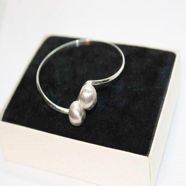 Pulsera adaptable perlas blancas