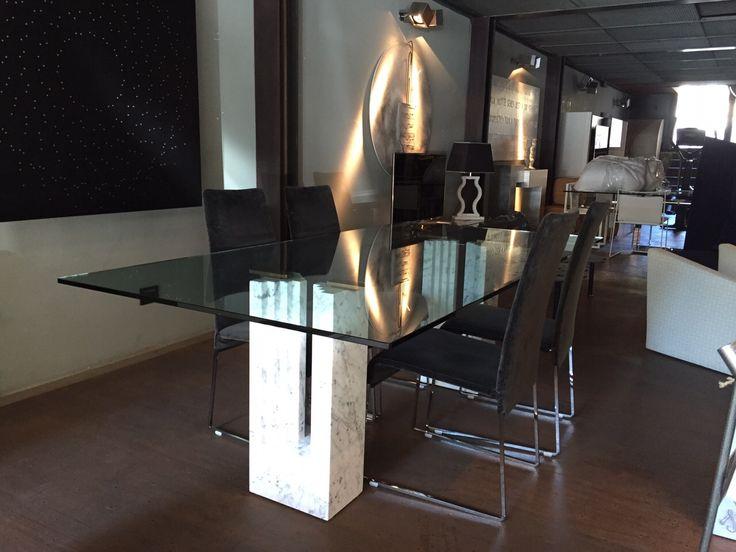 Tavolo Delfi piano vetro designed by Marcel Breuer, Carlo e Tobia Scarpa - cm 220x110 in esposizione presso Spazio Ikonos, via Tagliamento 35 Roma.