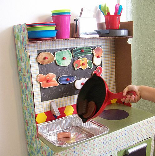 play kitchen from huggies boxes