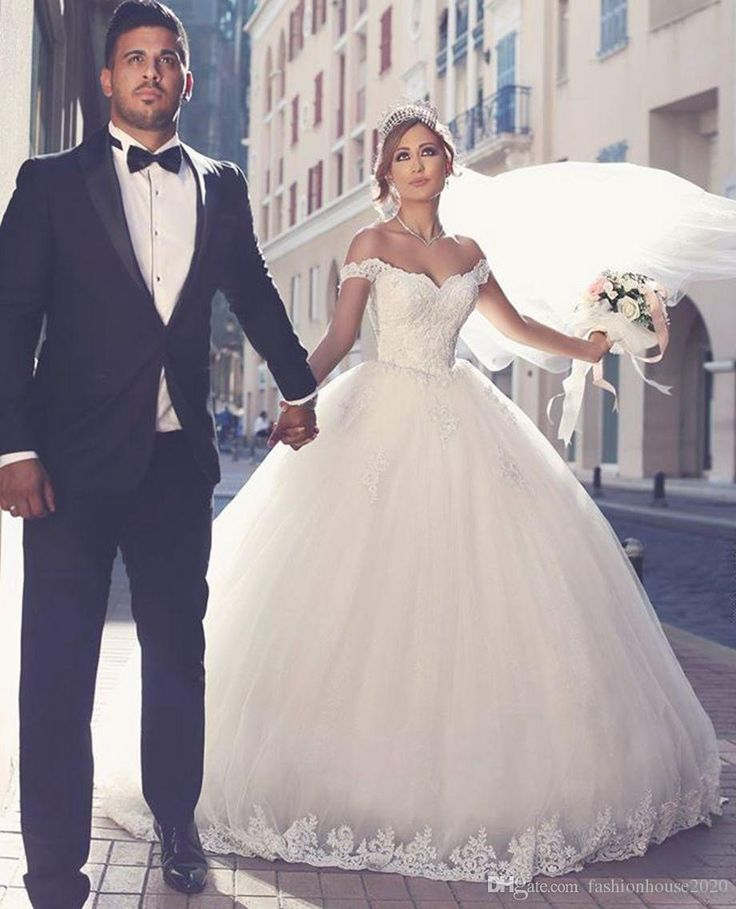 Elegant Ivory Lace Ball Gown Wedding Dresses 2017 Off The Shoulder Appliques Beaded Arabic Wedding Dress Tulle Plus Size Bridal Gowns Wedding Dresses Lace Ball Gown Wedding Dresses Arabic Wedding Dress Online with $169.15/Piece on Fashionhouse2020's Store | DHgate.com