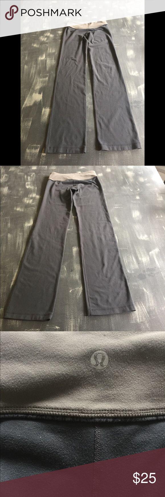 Woman workout pants Lululemon authentic workout pants size 4 lululemon athletica Pants Leggings