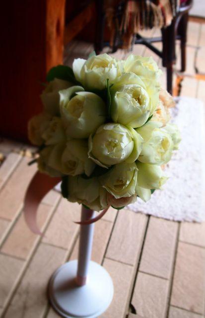 まーるいバラのウエディングブーケ : 花*ふわわ
