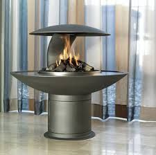 this is such a modern fireplace. I want it!