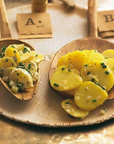 Mal norddeutsch mit Mayonnaise (A), mal schwäbisch mit Brühe (B). Zum Rezept: Kartoffelsalat mit Mayonnaise, Zum Rezept: Schwäbischer Kartoffelsalat