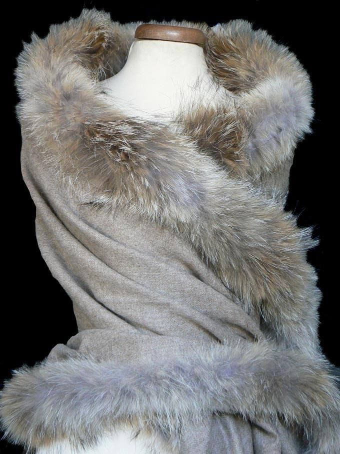 Beautiful warm and luxurious scarf made of 100% Baby Alpaca with coyote fur