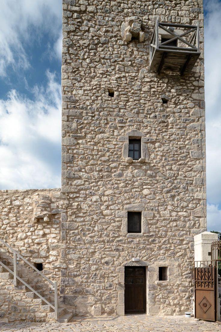 Oikade Design, George Meitner · Tainaron Blue Retreat · Divisare