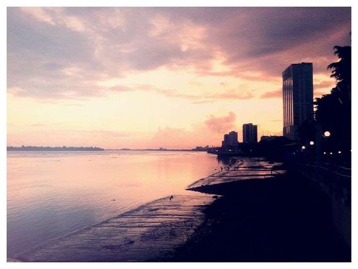 Guayaquil sunset at Malecón 2000