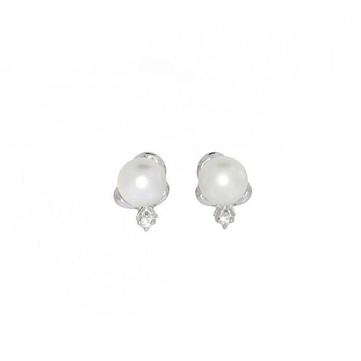 Pearl and Cubic Zirconia Studs #Silver #Pearl #Bride #BridalJewellery #PearlEarrings #WeddingJewellery #StudEarrings