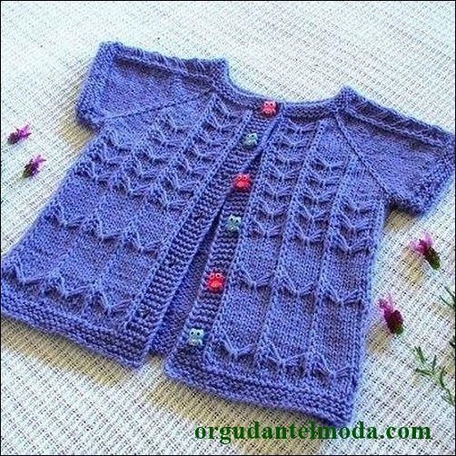 mavi-renkli-kısa-kollu-örgü-bebek-yelek-çeşidi