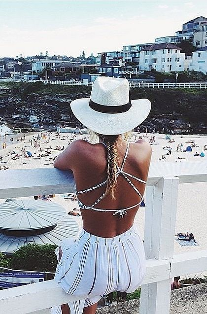 Your favorite fashion bloggers have been wearing this brand on all their vacations.
