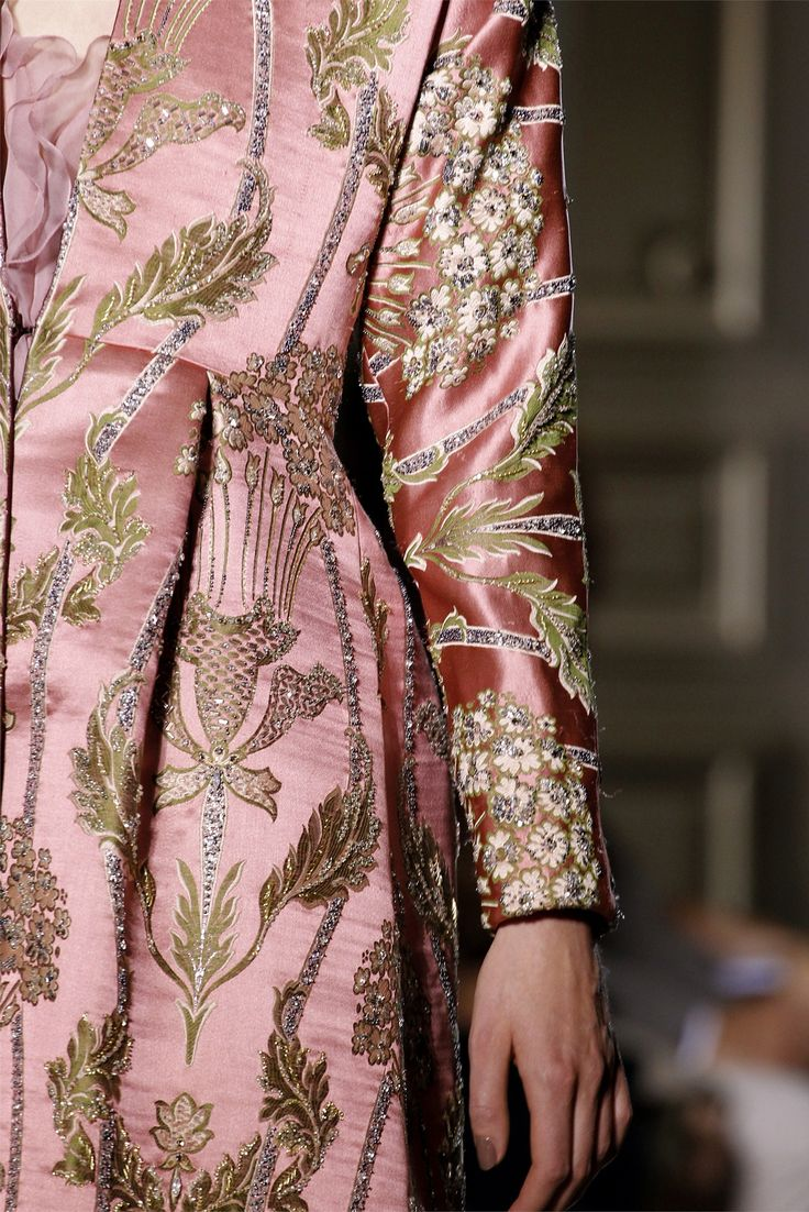 Valentino Fall 2012 Couture, Valentino Fall 2004, Valentino, Valentino Garavani, fashion, haute couture, womenswear, dress, gown, couture, catwalk, runway, designer
