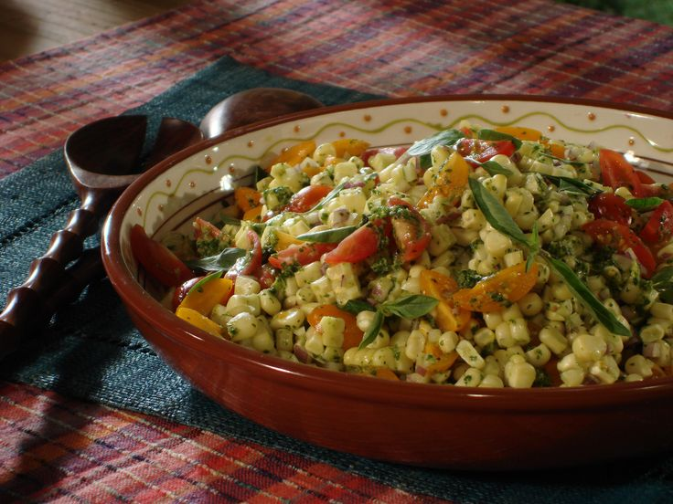 Grilled Corn and Tomato Salad with Thai Basil Vinaigrette Dressing ...
