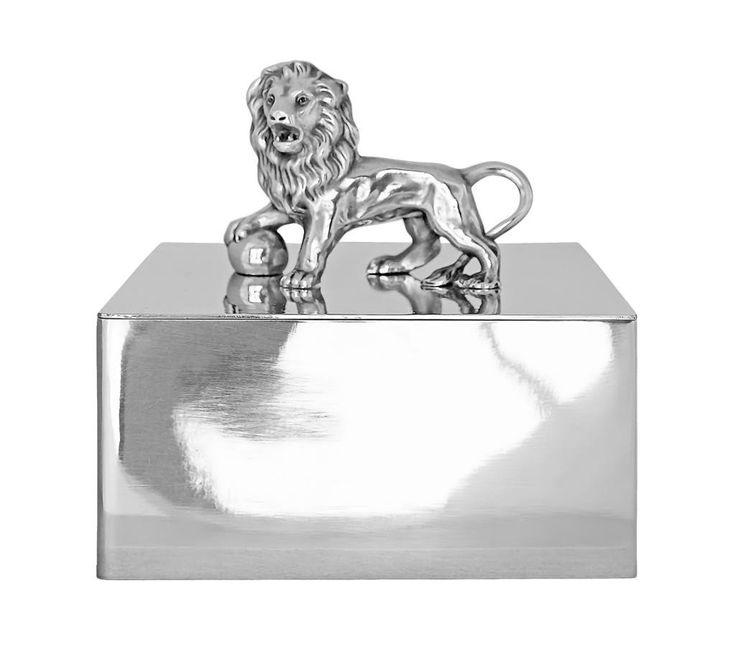 Munka Sweden ~ Stort skrin i tenn med lejon