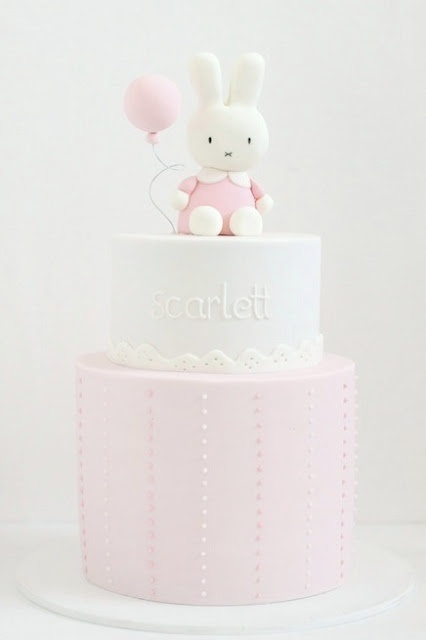 Bunny topper Pink pastel cake, by hello naomi