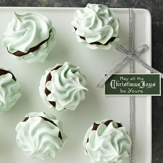 Mint Meringue Kisses - not only do these sound delicious, they look gorgeous! More show-stopping cookie recipes: http://www.bhg.com/christmas/cookies/christmas-cookies/#page=2/