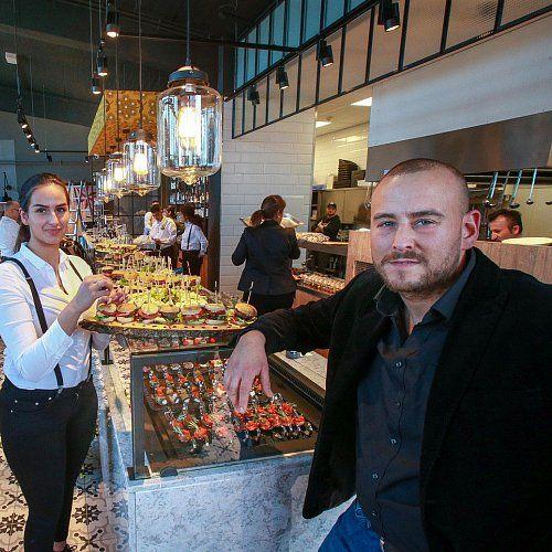 """Bielefeld. """"Eat Fresh – Be Happy"""" ist das Motto des neuen Restaurants mit mediterraner Küche, """"Fresh People"""", an der Apfelstraße 8..."""