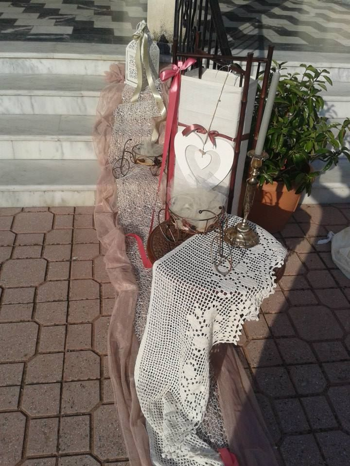 vintage lace pearns table