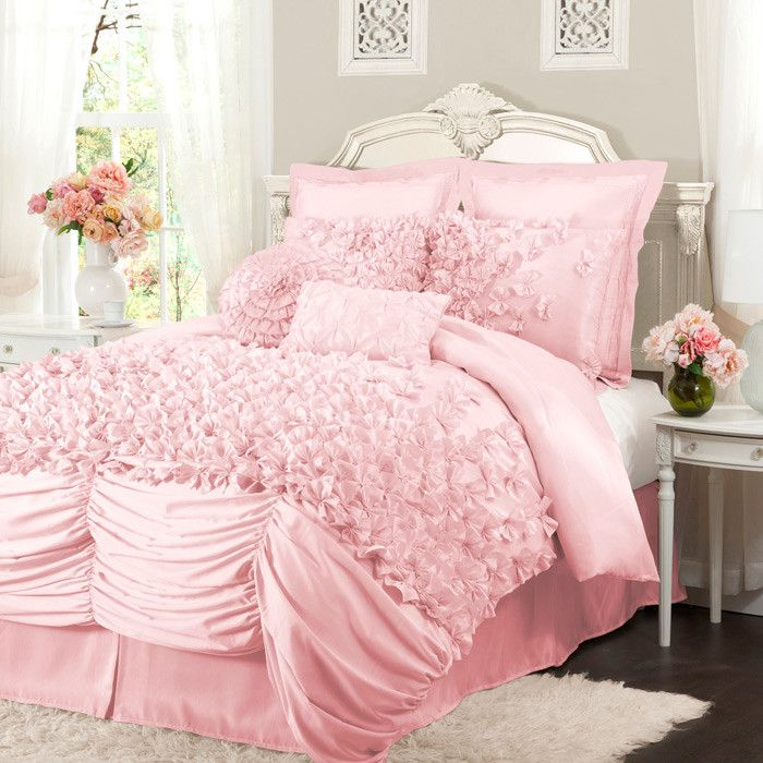 Cute pink room!!! Bebe'!!! Really neat pink bedroom cover let and pillows!!! Love that pink!!!