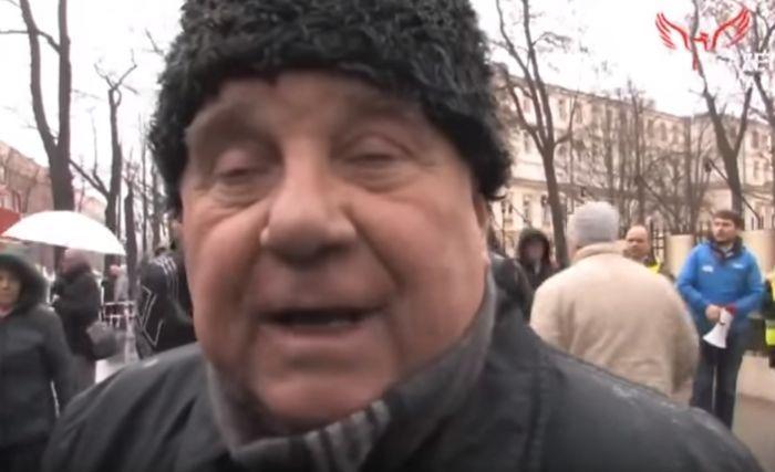 """Przerażająca prawda o KOD. Bronią Jaruzelskiego i Gomułki, mówią o """"pisuarach"""" i """"kurduplu"""""""