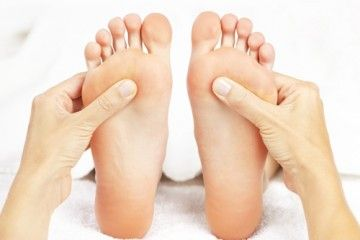 Lesiones en los pies desgraciadamente las hemos sufrido (casi) todos! Sabemos de fascitis, tendinitis del tibias posterior, tendinitis aquilea, periostitis... Y qué sabemos de la Metatarsalgia? Nuevo Post de nuestro podólogo particular en el Blog!!! Buen fin de semana, JARRIBUs!!!  http://ow.ly/V89bj