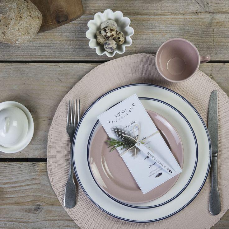 Inspiratie nodig voor pasen? Kijk op tafel en keuken voor prachtige ideeën en tips zoals deze elegante Jackies paastafel gecombineerd met pastelkleuren https://www.tafelenkeuken.nl/jackies-elegante-paastafel
