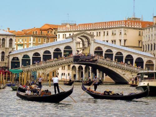 VeniceFamous Bridges, Gondola, Favorite Places, Beautiful Places, Grand Canal, Bridges Venice, Venice Italy, Travel, Rialto Bridges