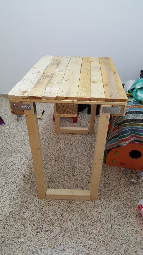 Workbench From Repurposed Euro Pallets Desks & Tables