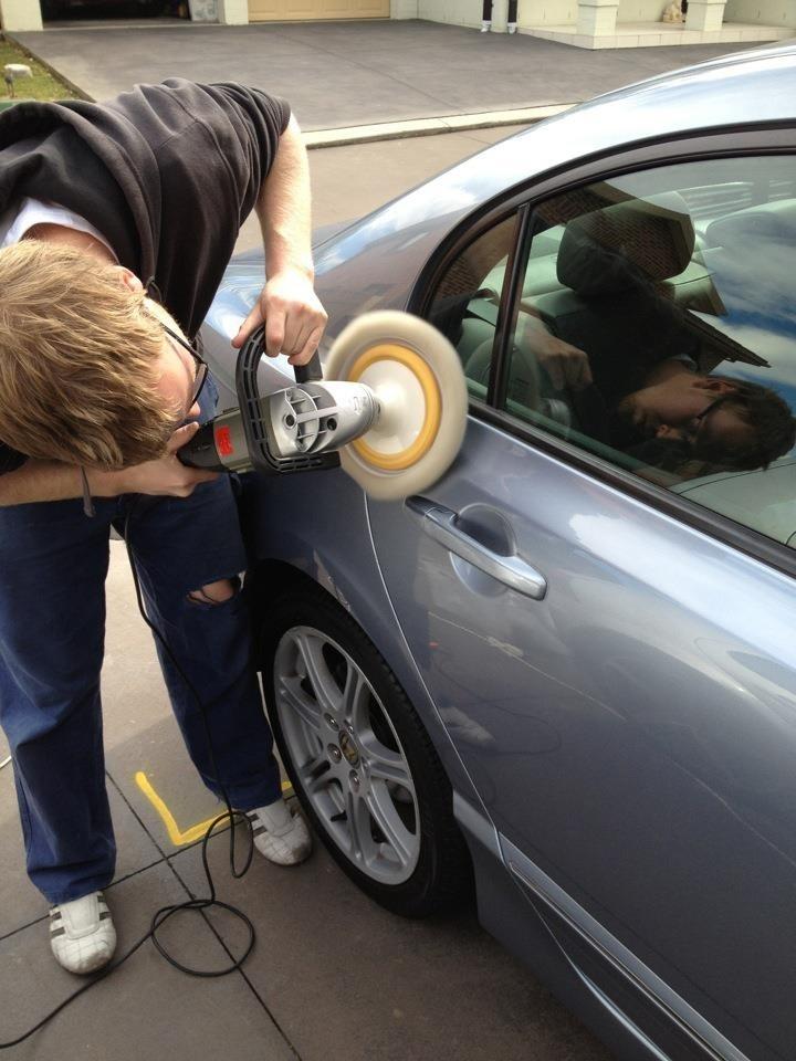 The man of DownUnder Customs Luke hard at work polishing up a 2009 Honda Civic. Using Xpert Products.