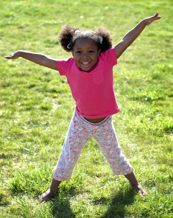 Active Game for Indoors or Out: Play the Game: Itsy Bitsy May I?