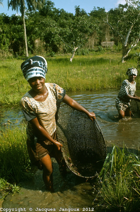 176 best images about fishing in africa on pinterest for Videos of people fishing