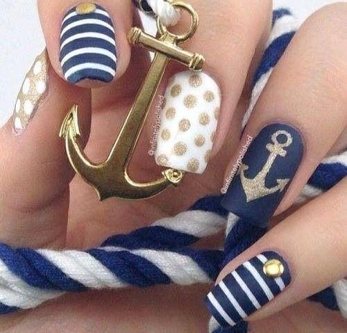 Uñas estilo marinero