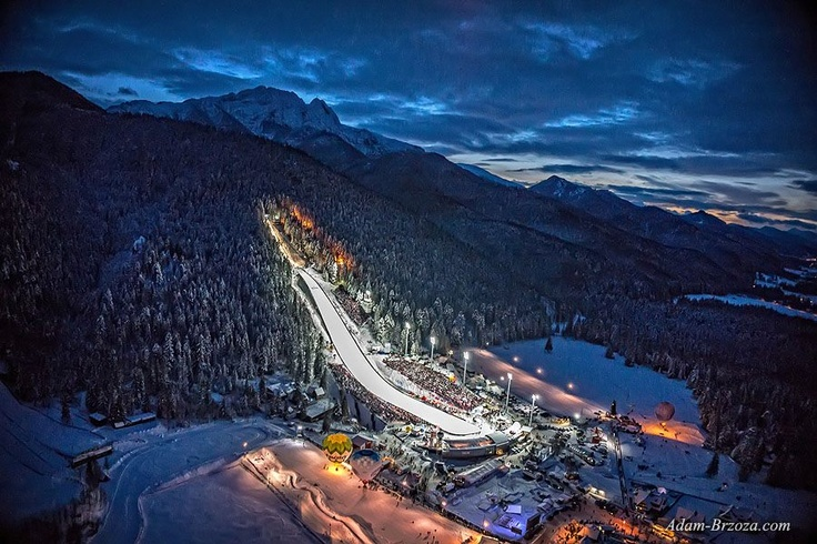FIS Skijumping Wielka Krokiew Arena in Zakopane, Poland // Puchar Świata w skokach narciarskich Zakopane 2013. fotografia lotnicza, oktokopter. Adam-Brzoza.com