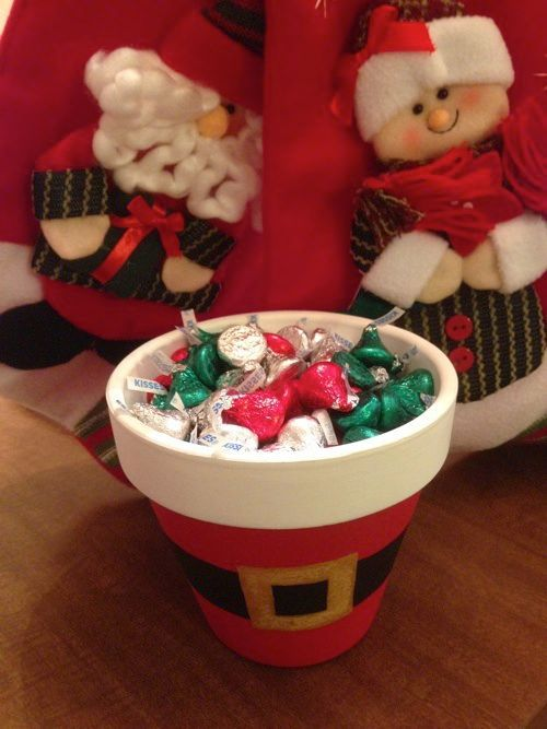 403 best christmas pot crafts images on pinterest natal christmas diy christmas decorations for gardeners this santa pot is easy to make and adds christmas solutioingenieria Gallery