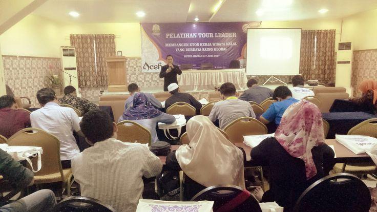 Seminar Be Optimistic POWER with MLP,  utk Tour Leader Dinas Pariwisata Aceh.