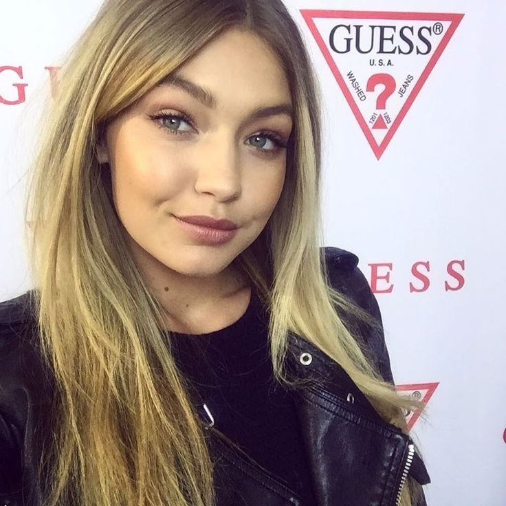 Gigi Hadid is another model who has changed up her hair color. The normally blonde beauty showed off some blue ends while attending a Guess blogger event in Sydney, Australia. Gigi has been quite busy this summer, appearing on the covers of V and W Magazine most recently. See Gigi's blue hair below. Enjoyed this …