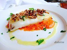 Blog de cuina de la dolorss: Suprema de merluza con salsa romesco y arroz salvaje