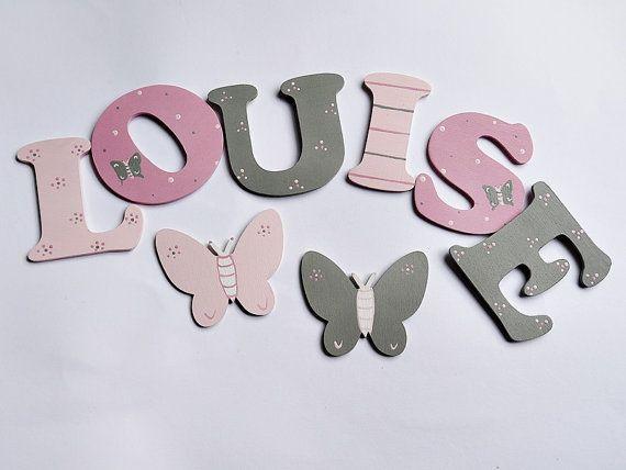 Holzbuchstaben für die Kinderzimmerwand oder Türe von Woodenlobster