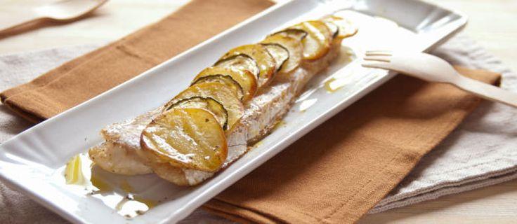 nasello in crosta di patate e zucchine