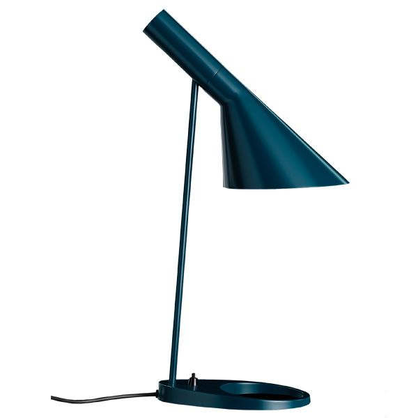 AJ table lamp Manufacturer: Louis Poulsen Design: Arne Jacobsen