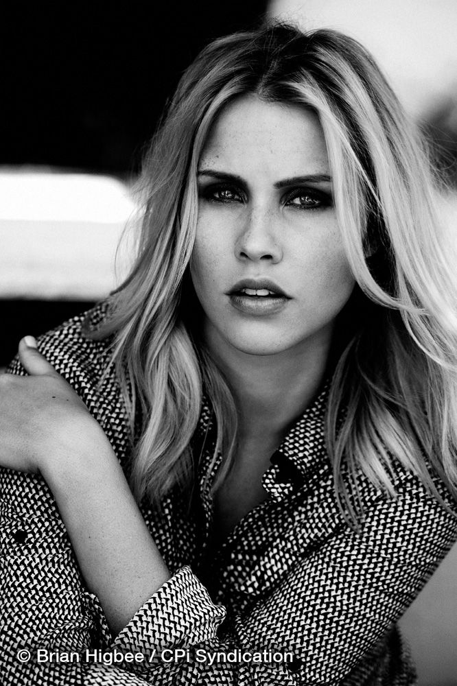 Claire holt the vampire diaries s03e0315 6