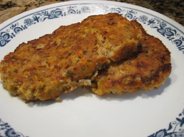 how to make fish cakes with bread crumbs